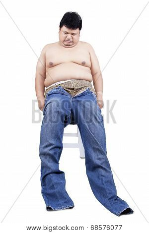 Fat Man Try To Wear His Old Jeans
