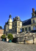 picture of chateau  - View of the Chateau de Fontainebleau and its famous stairway - JPG