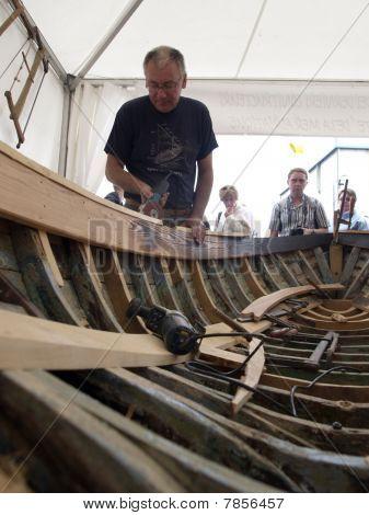 boat restoring