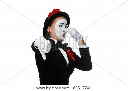 Portrait of the condemning mime