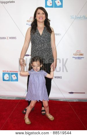LOS ANGELES - FEB 19:  Marla Sokoloff at the Milk+Bookies Sixth Annual Story Time Celebration at the Toyota Grand Prix Racecourse on April 19, 2015 in Long Beach, CA