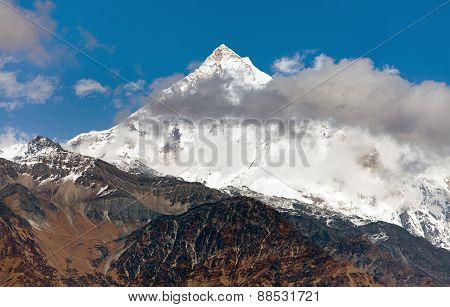 Pyutha Hiu Chuli (7246 M) Dhaulagiri Himal