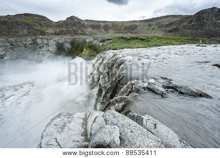 Hafragilsfoss is the very powerful waterfall on Iceland not far from its bigger brother Dettifoss. It is located in Jokulsargljufur National Park the northeasten Iceland on the river Jokulsa Fjollum.
