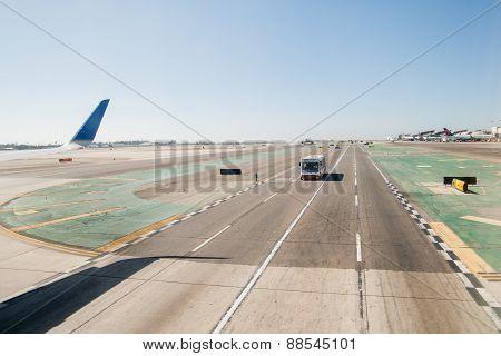 Arriving Waikiki Airport
