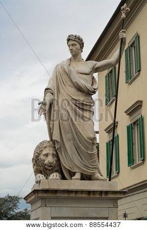 Marble statue of Arezzo