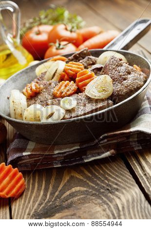 Liver Fried With Carrot And Onion