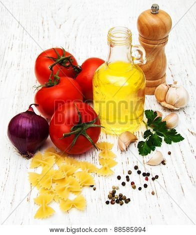 Tomatoes, Farfalle, Garlic And Olive Oil