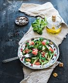 pic of spring lambs  - Spring salad with lamb - JPG
