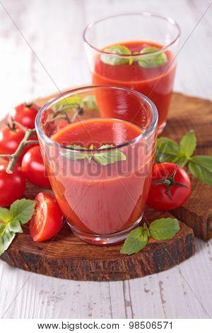 tomato soup,gazpacho
