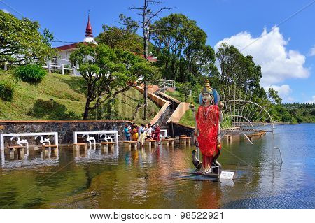 Grand Bassin Temple