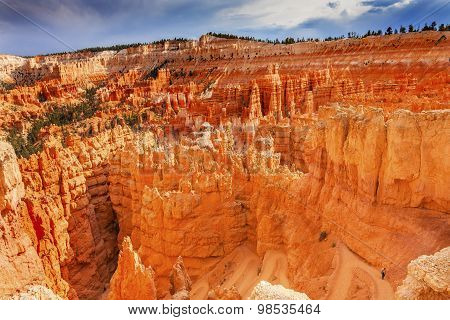 Trail Downward Hoodoos Bryce Point Bryce Canyon National Park Utah