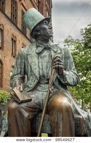 Hans Christian Andersen Statue, Radhuspladsen (city Hall Square), Copenhagen, Denmark