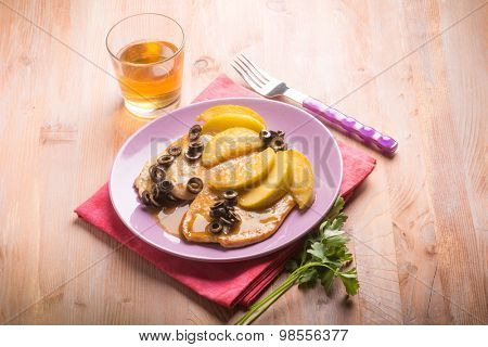 escalope with apple  and black olives