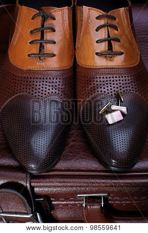 Men's Leather Shoes And Cufflinks