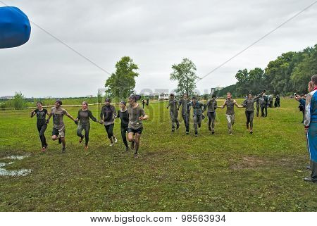Two teams finish in cross-country race.Tyumen
