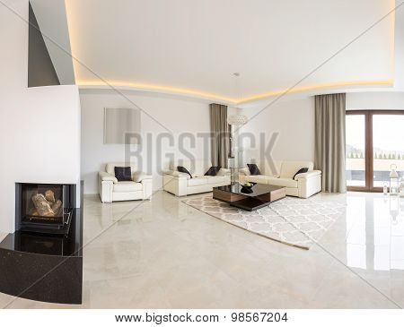 Spacious Bright Room