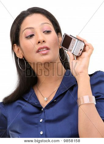 woman with the cell phone