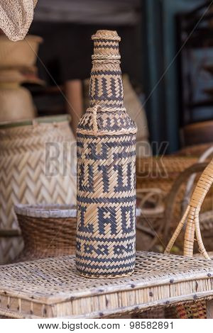 Handcrafts Covering Glass Bottles Of Rattan Weave