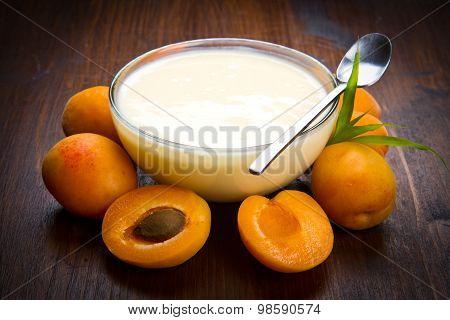 Fresh Yogurt With Apricots