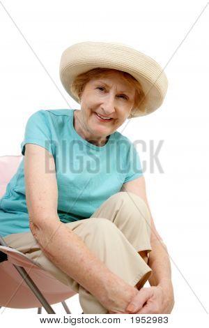 Senior de verano - sentado