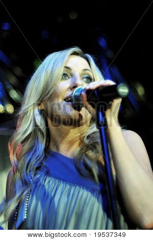 LOUISVILLE, KY - MAY 1: Lee Ann Womack performs at the 2009 Barnstable-Brown Gala on May 1, 2009.  The annual gala is held on the eve of the Kentucky Derby to benefit diabetes research.