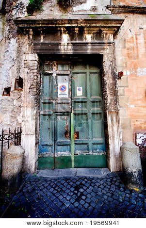 Old grungy entranceway from an old traditional Italian village