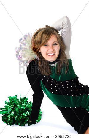 Chica feliz en un uniforme de Pom Pon