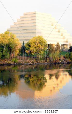 Ziggurat Reflected