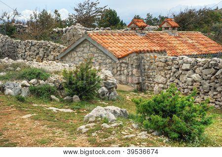 Isla de la piedra casa, Rudine, Krk, Croacia