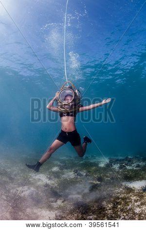 Floating underwater
