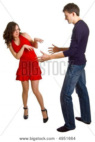 Men Tries To Get Acquainted With The Beautiful Girl