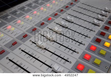 Radio Console 6
