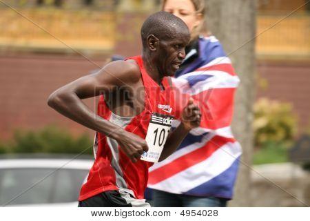 Lboston, Ma 04 20 2009 Robert Cheruiyot Races Up Heartbreak Hill During The Boston Marathon Finishin