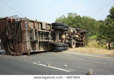 Acidente de caminhão