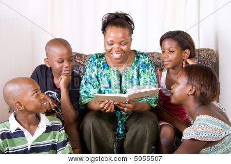 Mutter Lesung Buch für Kinder