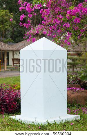 Stone Pillars White