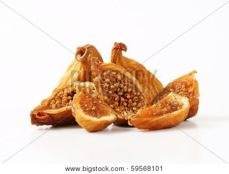 portion of halved dried figs