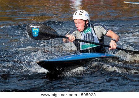 Corrida de canoagem slalom