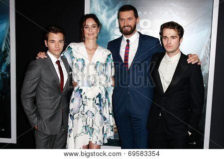 NEW YORK-AUG 4: (L-R) Actors Nathan Kress, Sarah Wayne Callies, Richard Armitage and Max Deacon attend the