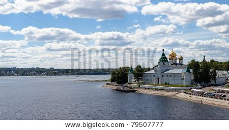 Kind on the Ipatevsky monastery,Kostroma