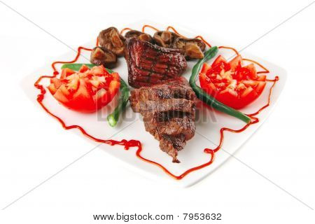 Juice Roast Fillet Mignon With Tomatoes