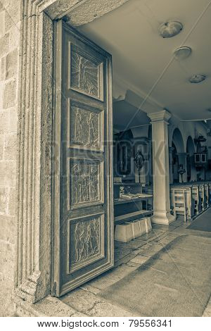 Supetar church door