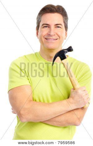 Homem com martelo