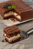 pic of chocolate fudge  - A chocolate fudge layer cake - JPG