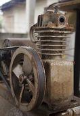picture of air compressor  - Rusty air compressor - JPG
