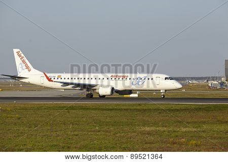 Frankfurt Airport - Embraer Erj-195 Of Aireuropa Takes Off