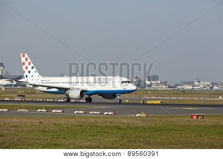 Frankfurt Airport - Airbus A320 Of Croatia Airlines Takes Off