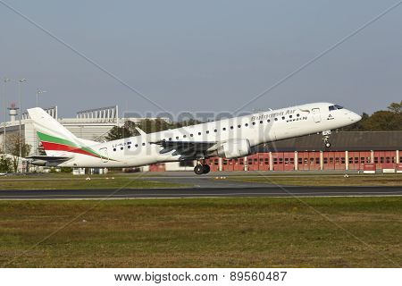 Frankfurt Airport - Embraer Erj-190 Of Bulgaria Air Takes Off