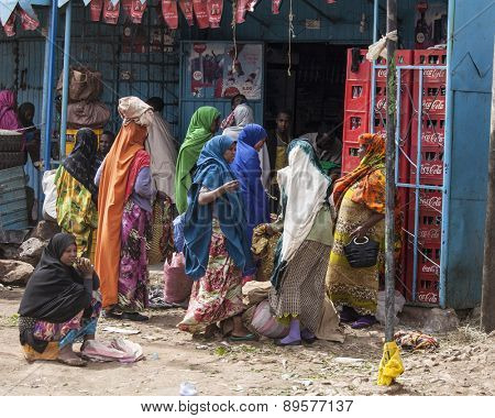 HARAR, ETHIOPIA-APRIL 17: Unidentified women shop at a market in Harar, Ethiopia on April 17, 2015