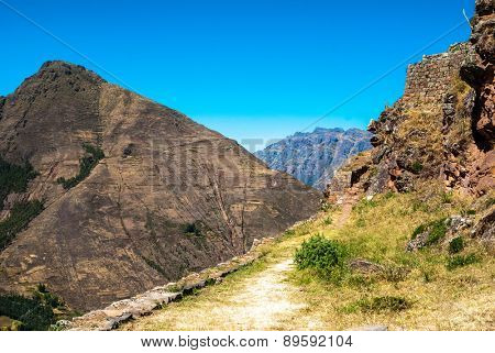 Mountain trail at Cusco, Peru